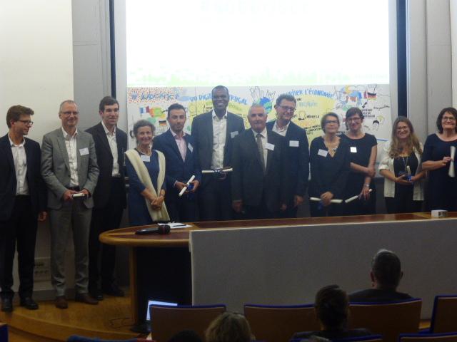 Les membres de la Mission 2017 reçoivent leurs diplômes de lauréat de la FNEP