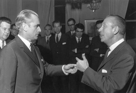 Lucien Matrat et Jacques Chaban-Delmas, alors premier ministre.